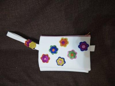 Pochette doppia bianca con fiori e brillantini