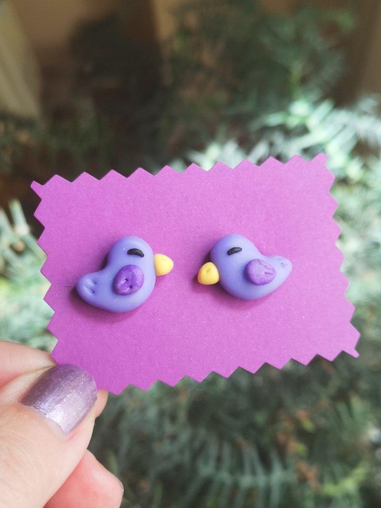 Orecchini in fimo con uccellino viola, gioielli estivi per regalo bambina, orecchini da lobo per bambina con uccello, orecchini piccoli