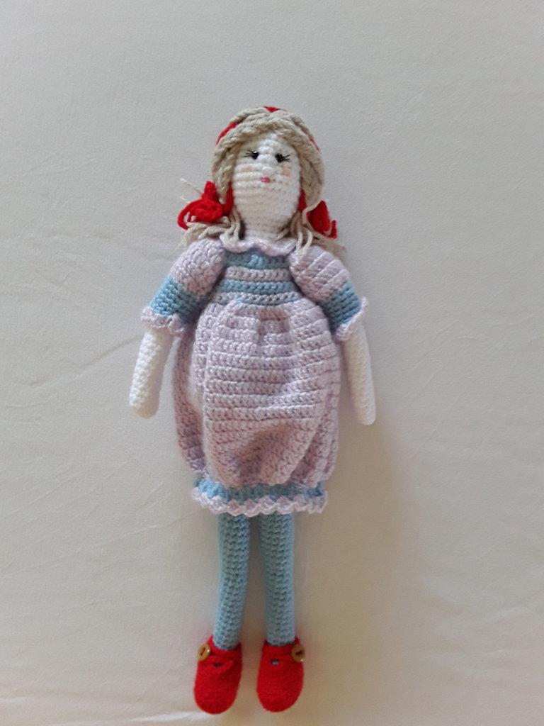Bambola amigurumi uncinetto