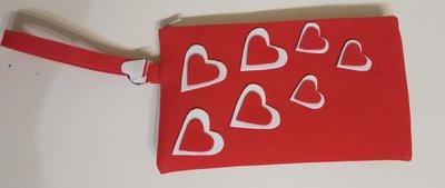 Pochette donna rossa e bianca con cuori e laccio polso