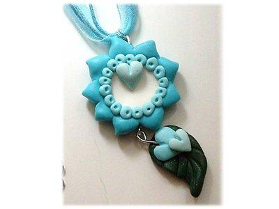 Collana con fiore turchese