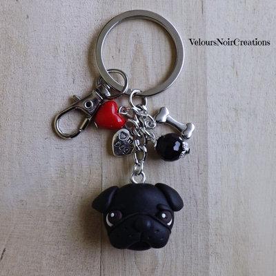 Portachiavi con cane carlino nero in fimo