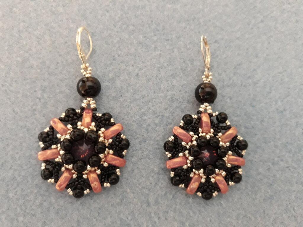 Orecchini con cali beads