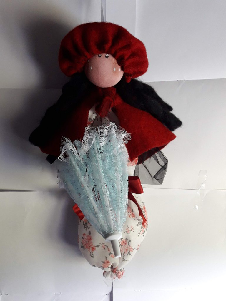 Bambola Samantha rossa