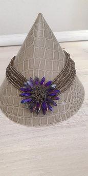 Collana con fiori centrale in cristallo