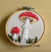 MINI Ricamo in telaio - embroidery Funghi rossi - ricamato - idea regalo cornice - miniature kawaii