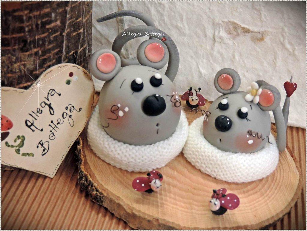 Coppia di topolini innamorati