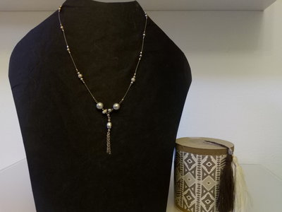 collana cavetto perle grigie con pendente