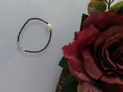 braccialetto spinello nero e perla disco