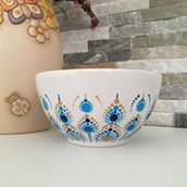 Ciotola di ceramica bianca dipinta con mandala