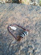Bracciale con inserto wire in rame e pietre irregolari