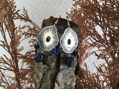 Orecchini forma originale con pendenti in lapislazzuli