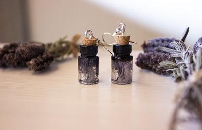 Black essence | Orecchini in resina | Chrysalism