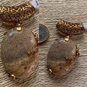 Ciondolo in pietra paesina e rame bagno oro