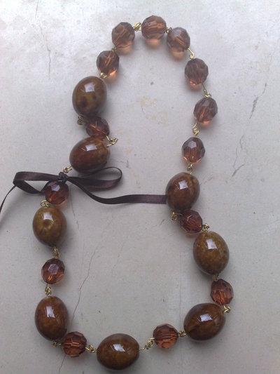 collana marrone
