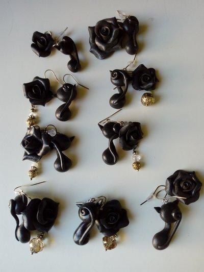 Orecchini pendenti gatto nero