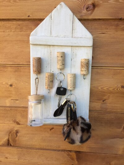 casetta portachiavi in legno 5 ganci
