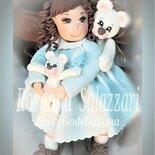 bambolina in porcellana fredda fatta a mano con orsetti