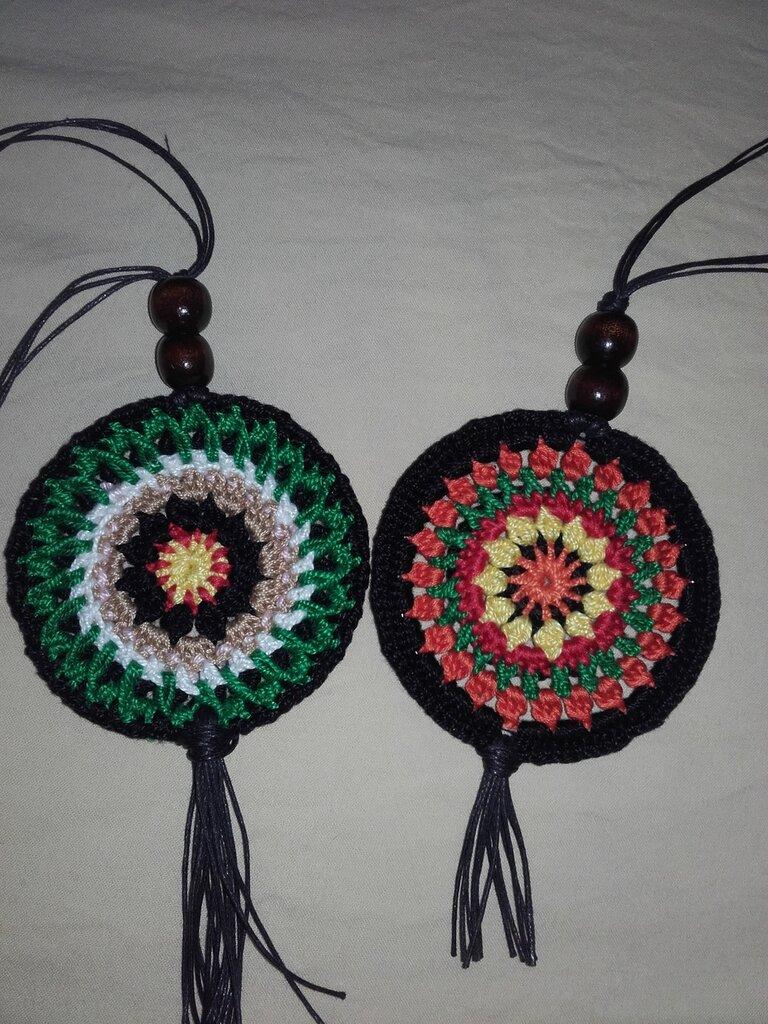 Collana amuleto etnico tribale realizzata a mano accessorio homemade uncinetto