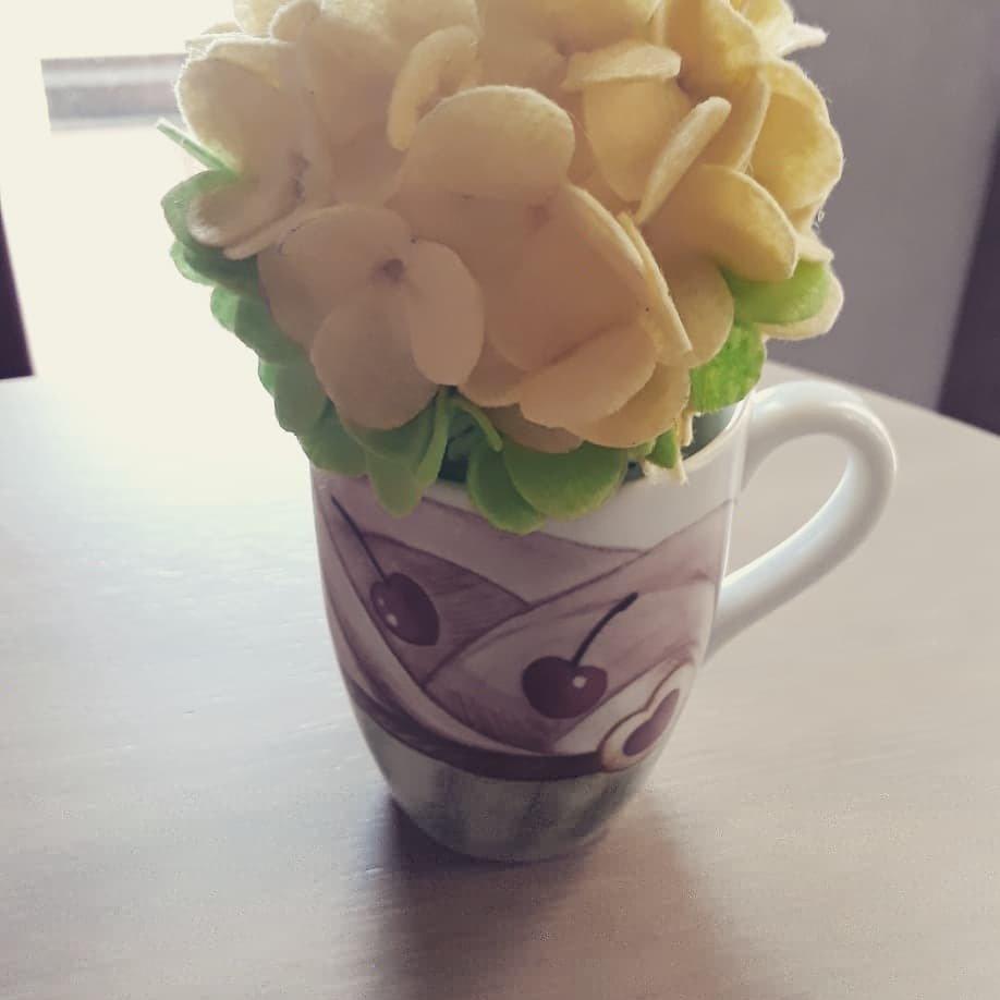 ortensia fiorita in feltro