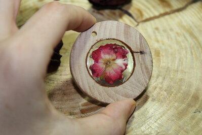 collana legno e fiore vero