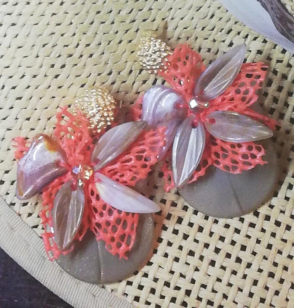 Orecchini pendenti Fiore di madreperla