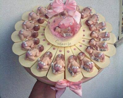 Torta di bomboniere bebè