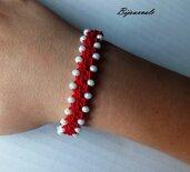 Bracciale  fatto a mano ad uncinetto, filato di colore rosso, cristalli bianco-ottico, gioiello tessile.