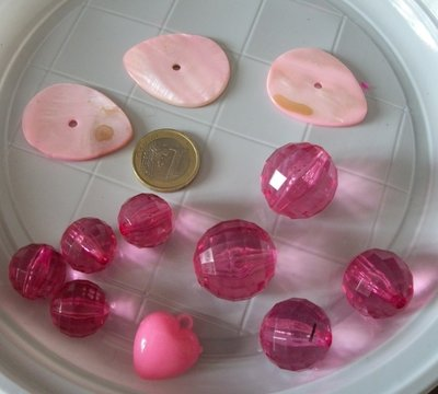 12 perle miste