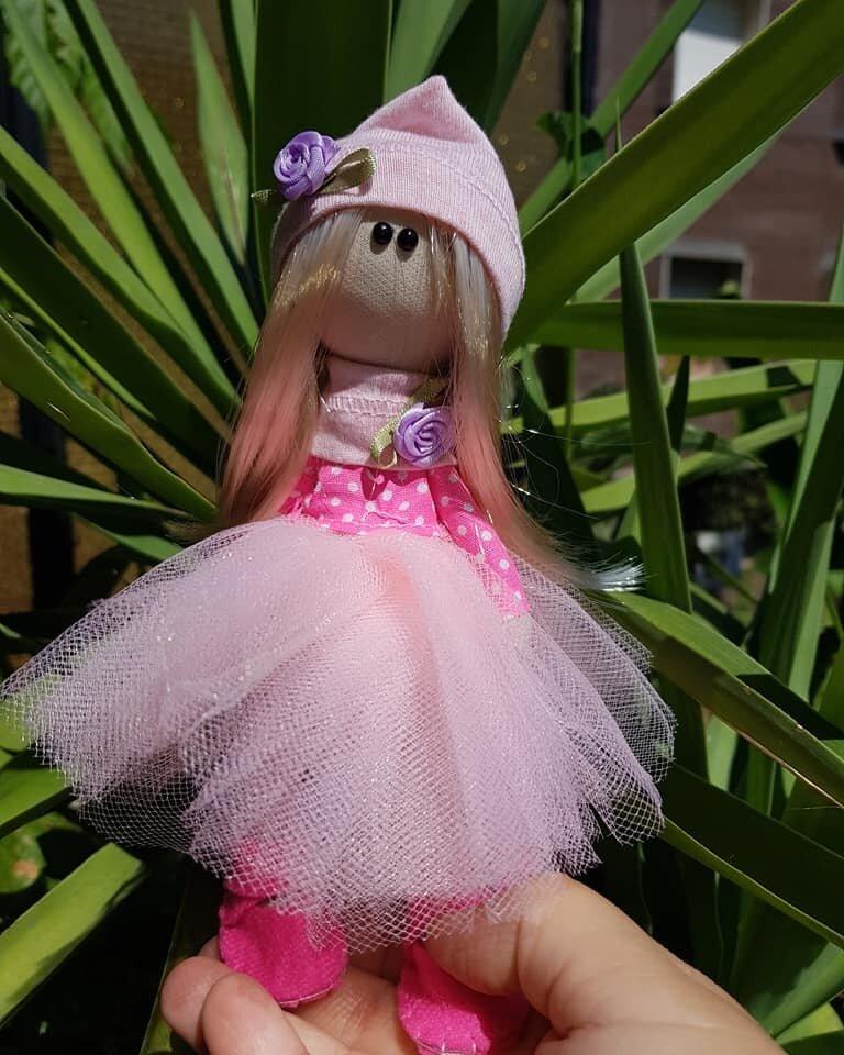 bambolina di stoffa