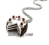 Collana in fimo Torta foresta nera - black forest cake  - torta al cioccolato - idea regalo handmade in fimo e cernit - kawaii