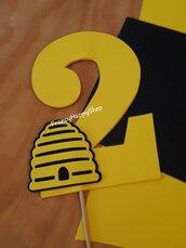Cake topper torta compleanno bambina bambino tema ape alveare animali giungla personalizzato,decorazioni festa bimbi,giallo e nero,invito,segnaposto,gadget festa,addobbi compleanno ape