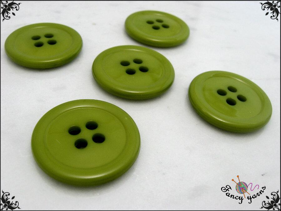 5 grandi bottoni mm.27, in poliestere lucido,  colore verde chiaro, attaccatura a 4 fori
