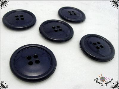 5 grandi bottoni mm.27, in poliestere lucido,  colore blu, attaccatura a 4 fori