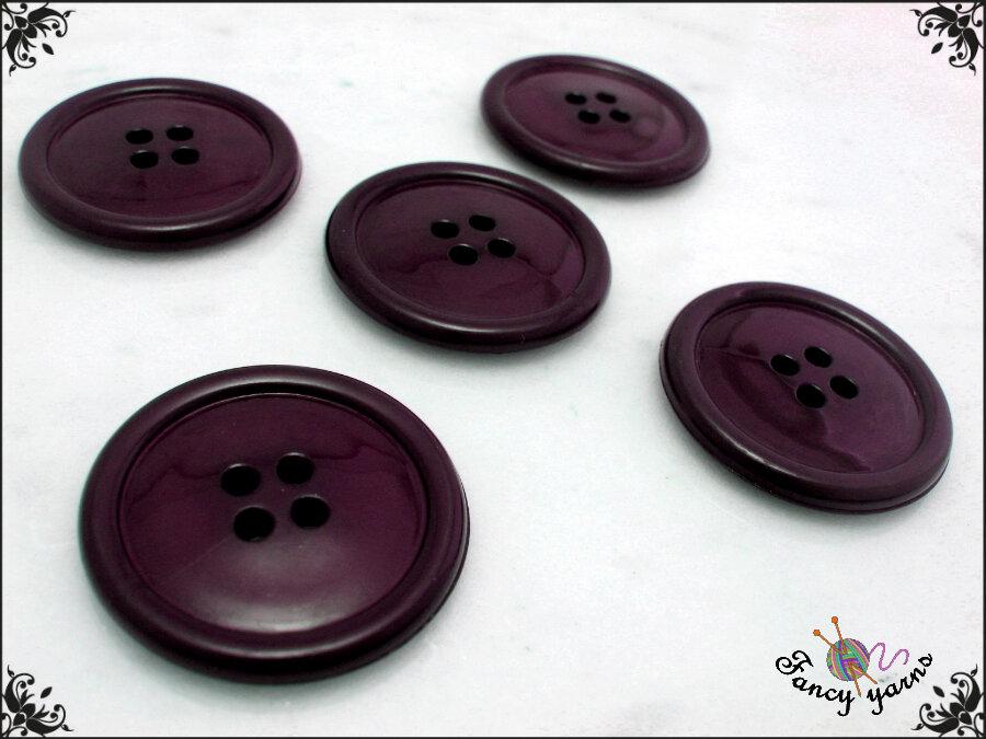 5 grandi bottoni mm.27, in poliestere lucido,  colore prugna, attaccatura a 4 fori