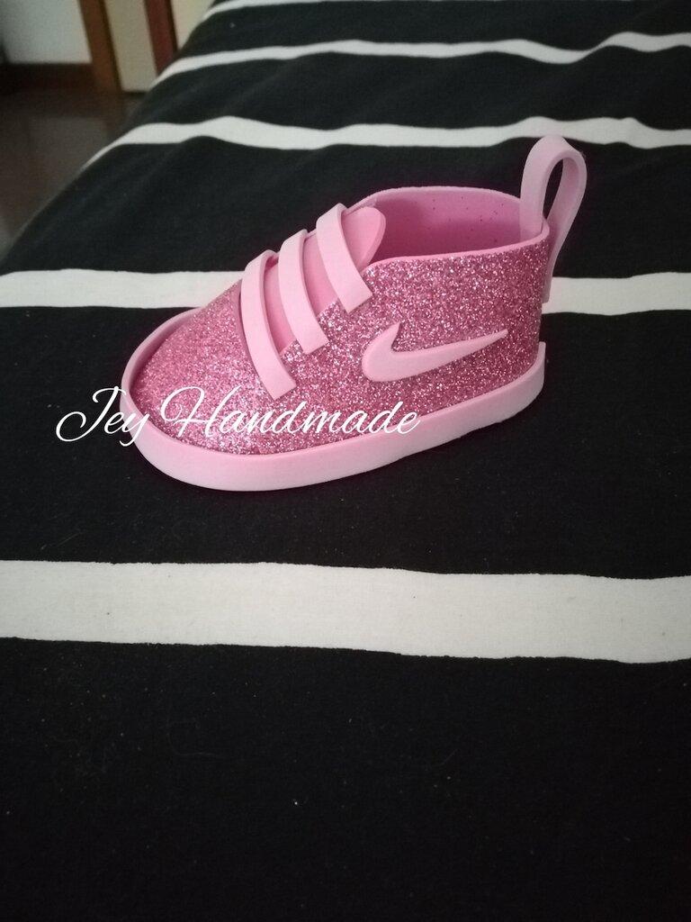new styles ef412 da21f Scarpe scarpine gomma Eva crepla battesimo compleanno nascita portachiavi  Nike ginnastica