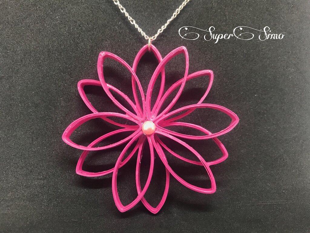 Ciondolo fiore di loto rosa fuxia in quilling