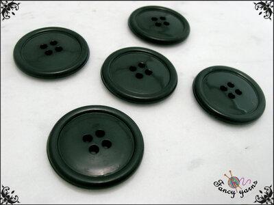 5 grandi bottoni mm.27, in poliestere lucido,  colore verde scuro, attaccatura a 4 fori