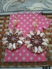 Orecchini Adele.pendenti, realizzati in tessitura di perline, con cristalli Swarovski,perline ceche