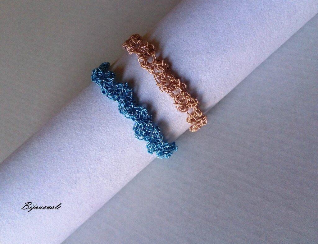 Coppia di braccialetti dell' amicizia ,filato rosa-oro e azzurro-argento.
