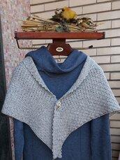 scialle triangolare in pura lana
