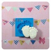 Stampo piedini bebé con fiore ORIGINALE HANDMADE per bomboniere battesimo nascita neonato, per gesso, resina, fimo, soggetto originale handmade