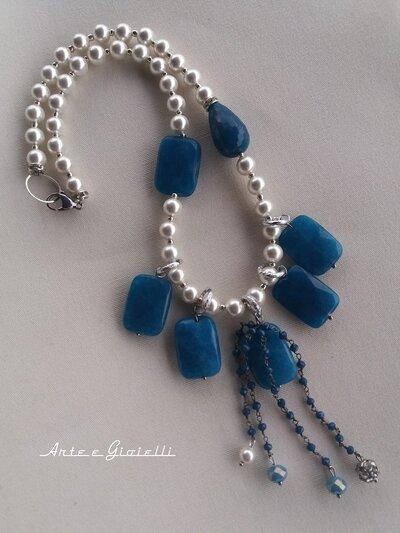 Collana di perle con agata blu