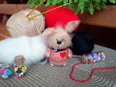 Bambola Amigurumi Cagnolinо a maglia