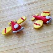 Aeroplano interamente realizzato a mano in pasta FIMO ideale per decorare le vostre bomboniere