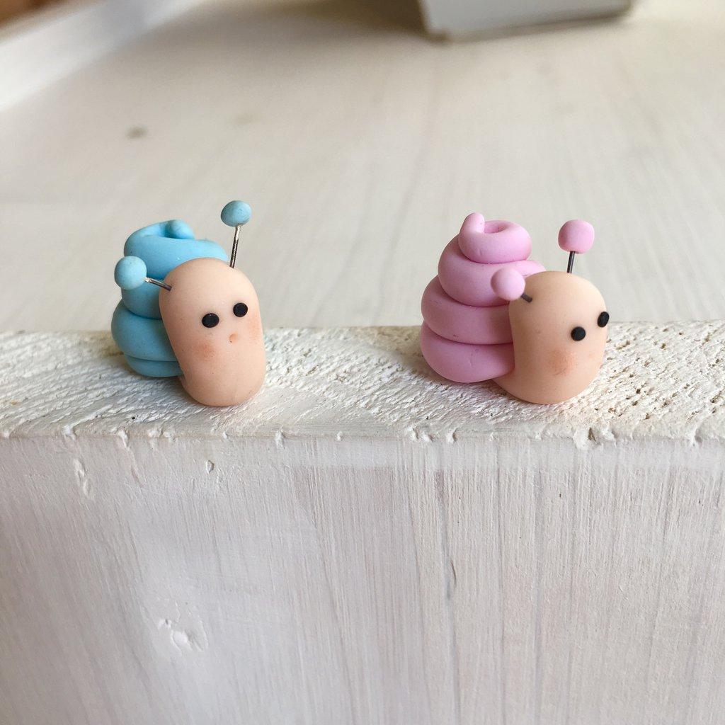 Lumachina interamente realizzata a mano in pasta FIMO ideale per decorare le vostre bomboniere