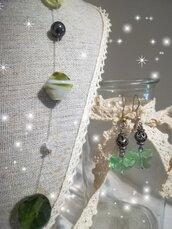 Completo verde pietre dure. Cristallo. Collana nylon orecchini farfalla. ❤️