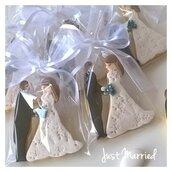 biscotti decorati a forma di sposi