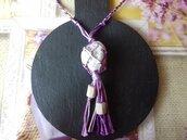 Collana intrecciata a mano viola con pietra di fiume