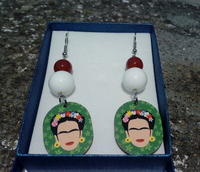 Orecchini Frida khalo agata  bianca e agata rossa